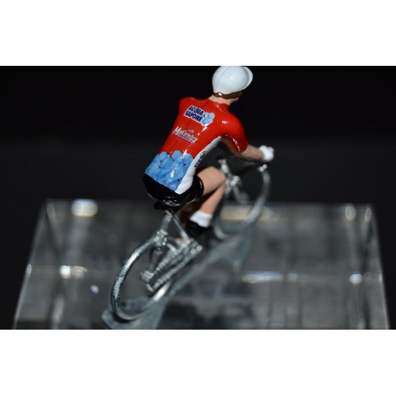 Acqua e Sapone - cyclist figurine