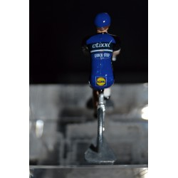 Etixx Quick Step - petit cycliste miniature en metal