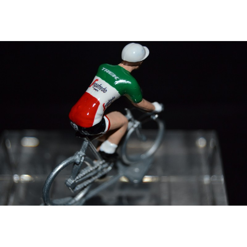 Italian Champion 2016/2017 Giacomo Nizzolo - Metal cycling figure