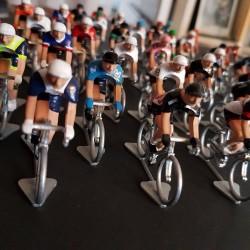 Peloton Giro Saison 2021 figurine petit cycliste