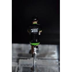 Bretagne Séché Environnement - lot de  2 cyclistes miniatures en metal
